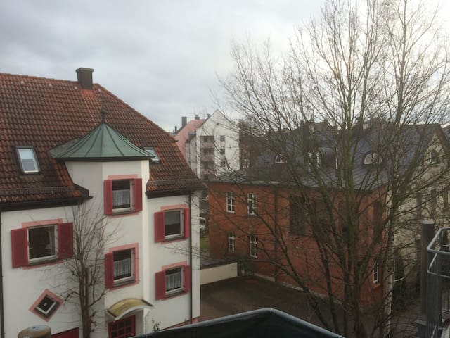Helles Apartment in bester Lage - Bayreuth - Apartmen