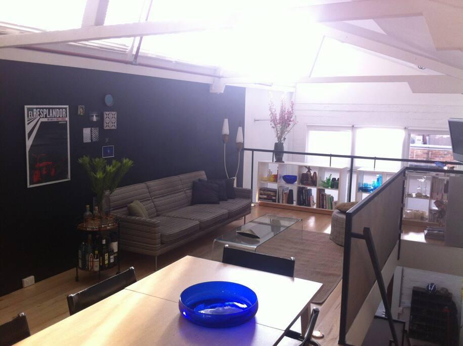 Lounge dining level