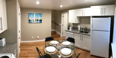 Private Fully-Furnished Basement Apt near Berkeley