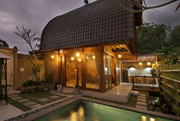 Honeymoon Suite with Organic Garden & Private Pool