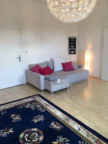 Südl. von München / Wolfratshausen  Helle Wohnung