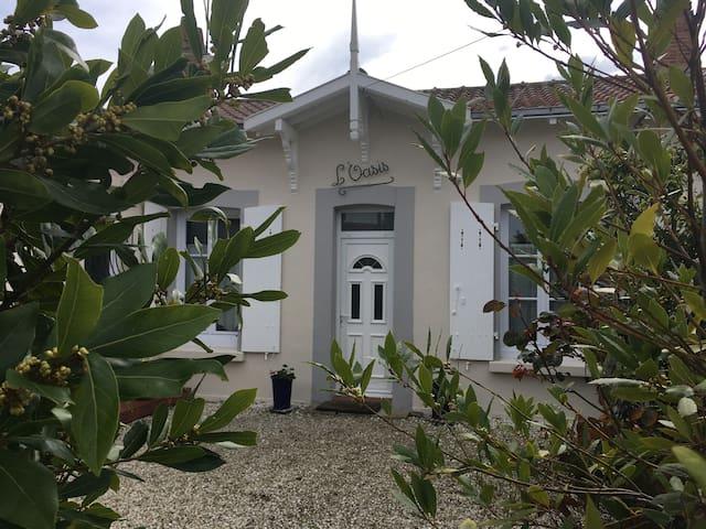Proche bourg - Préfailles - House