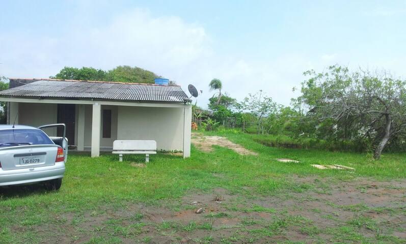 Casa simples / Praia Estrela do Mar Torres