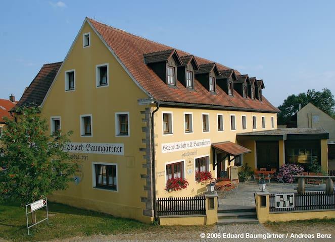 Günstige Unterkunft - 6 Zi. mit eigener Du/WC - Gunzenhausen - Guesthouse