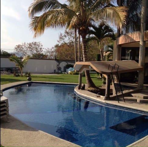 Hermosa y amplia casa en Xochitepec