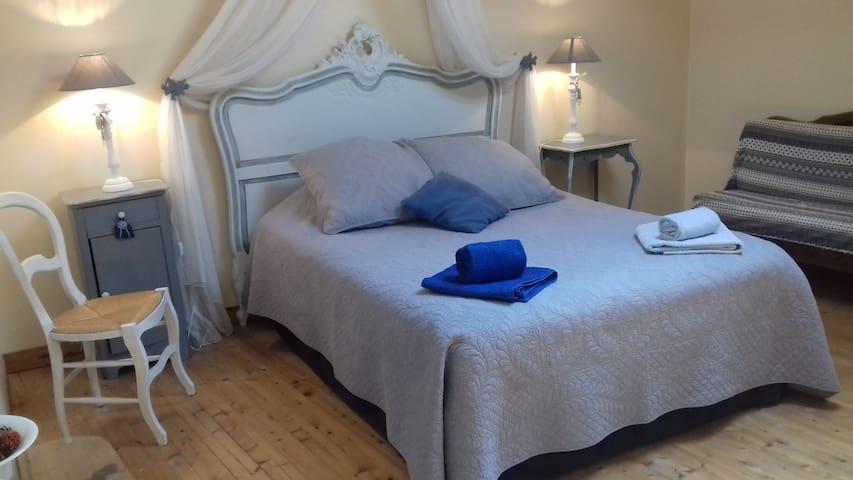 La Clef des Champs Maison d'hôtes de Charme - Saint-Mard - Bed & Breakfast