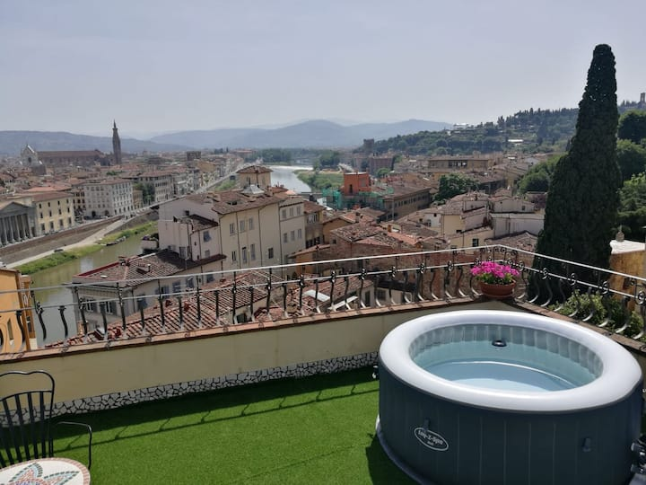 Absolute Beauty Ponte Vecchio with Jacuzzi