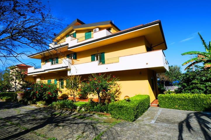 Appartamento del Sole con Vista Mare (N°8) - Tropea - Apartment