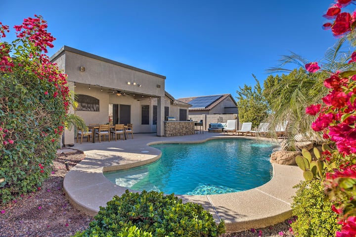 NEW! Warm Desert Oasis w/ Private Pool + Fire Pit!