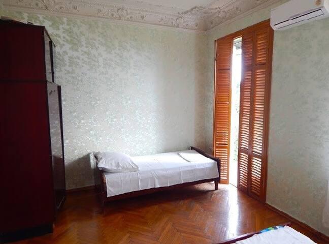 Спальня ,которой пользуетесь исключительно вы. Дверь запирается на ключ