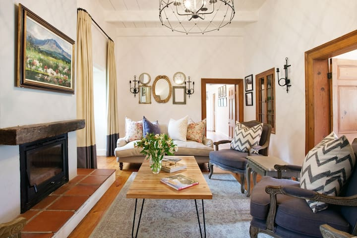 Chic Historic Farmhouse on Working Vineyard