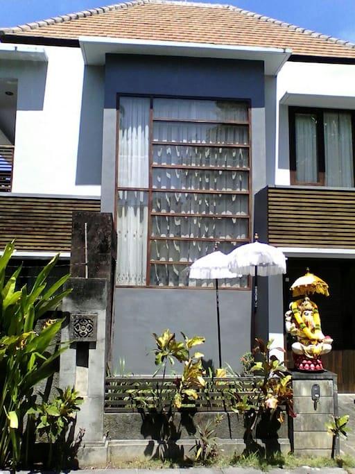Entrance to Villa Sri Arum