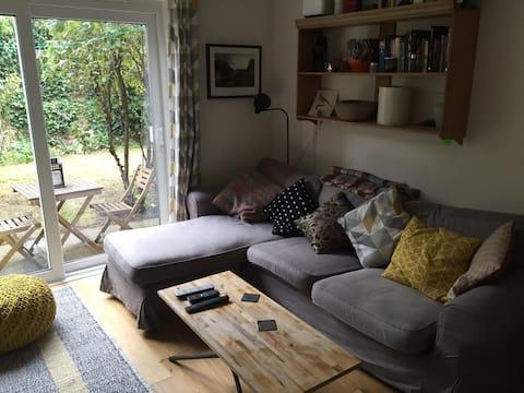 Lovely Greenwich garden flat near the park