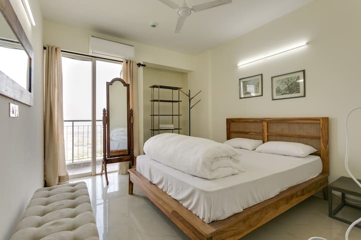 Spacious Condo near India expo mart in JP Aman