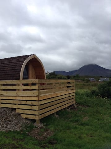 Amazing sea views from our pods - Broadford - Hut