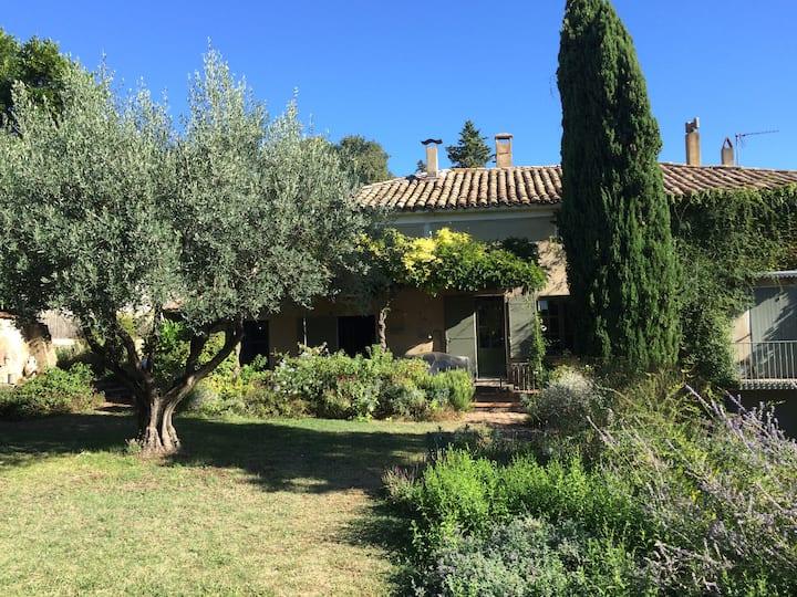 Le Mas des Sources au coeur du Gard Provençal