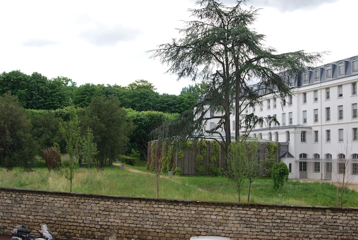 3 rooms bright and quiet - Vanves - Byt
