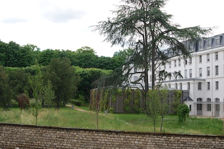 3 rooms bright and quiet - Vanves - Appartement