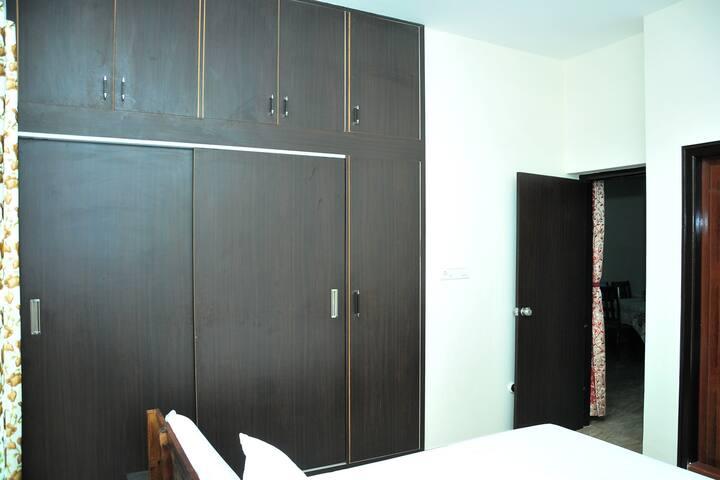 Bedroom 6 (First Floor)