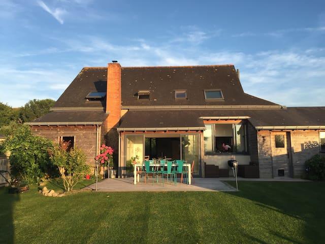 Ancienne Forge entièrement rénové - Blaison-Gohier - Huis