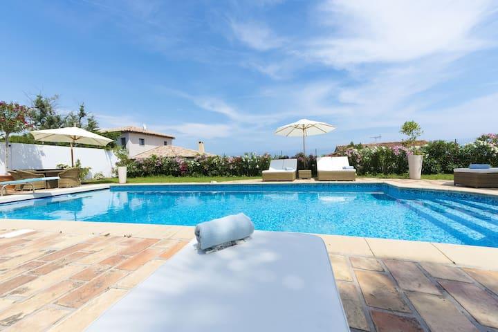 Villa à Montcaret avec piscine privée, jardin avec barbecue