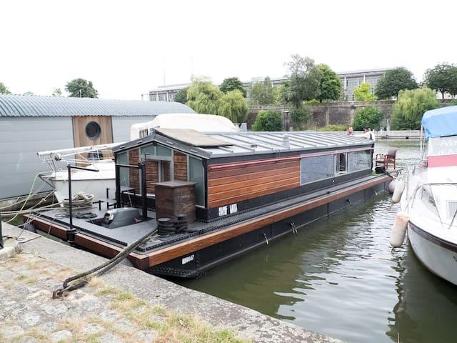 Charming Houseboat - Nantes - Barco