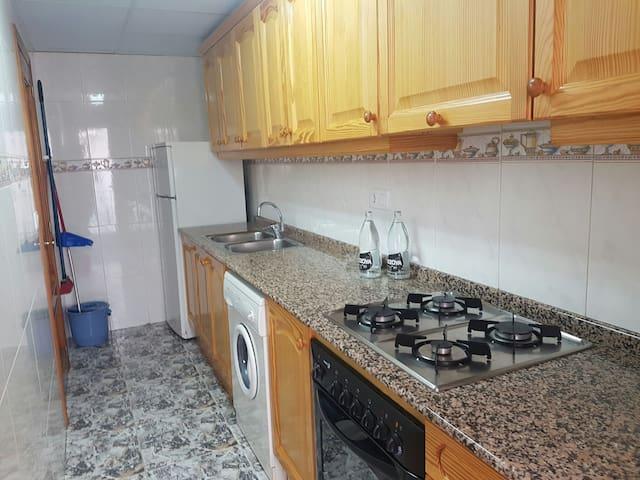 Apartamentos funcionales y equipados 1º - Montanejos - Leilighet