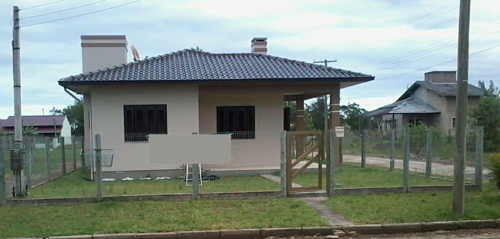 Bela casa na Praia Paraiso