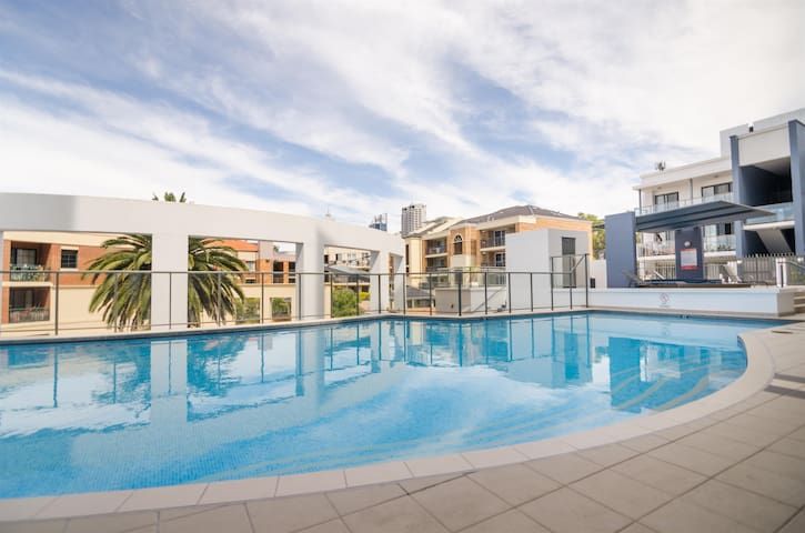 ♥ West Perth  Apartment NO Cleaning Fee ♥