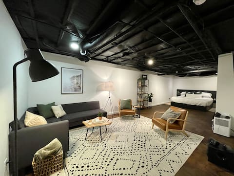 Basement Studio Apartment near I-40 & I-77