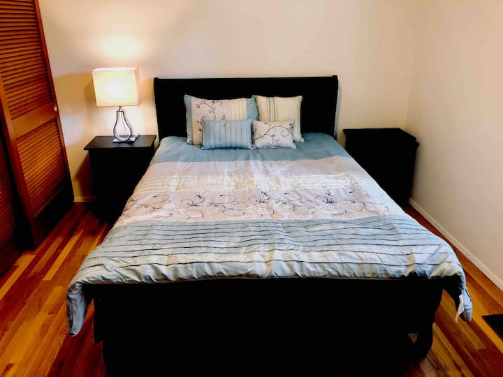 Clean guest room with new furniture 家庭旅馆 -3