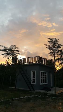 myhome twenty one guesthouse (deluxe w rooftop) - Kuala Kurau - Hut