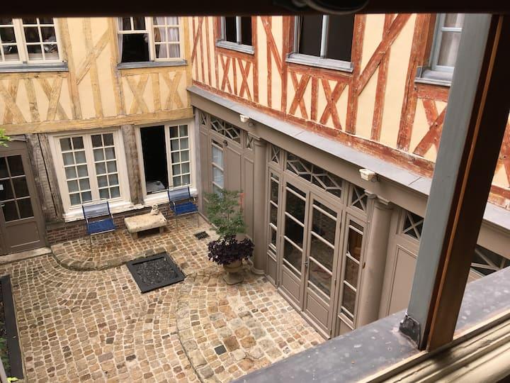 La Garconnière de Troyes (sans cuisine)