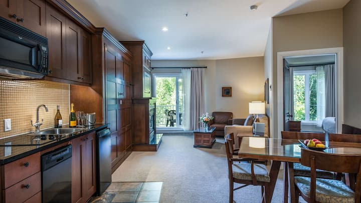 2 Bedroom Suite with Exceptional Amenities