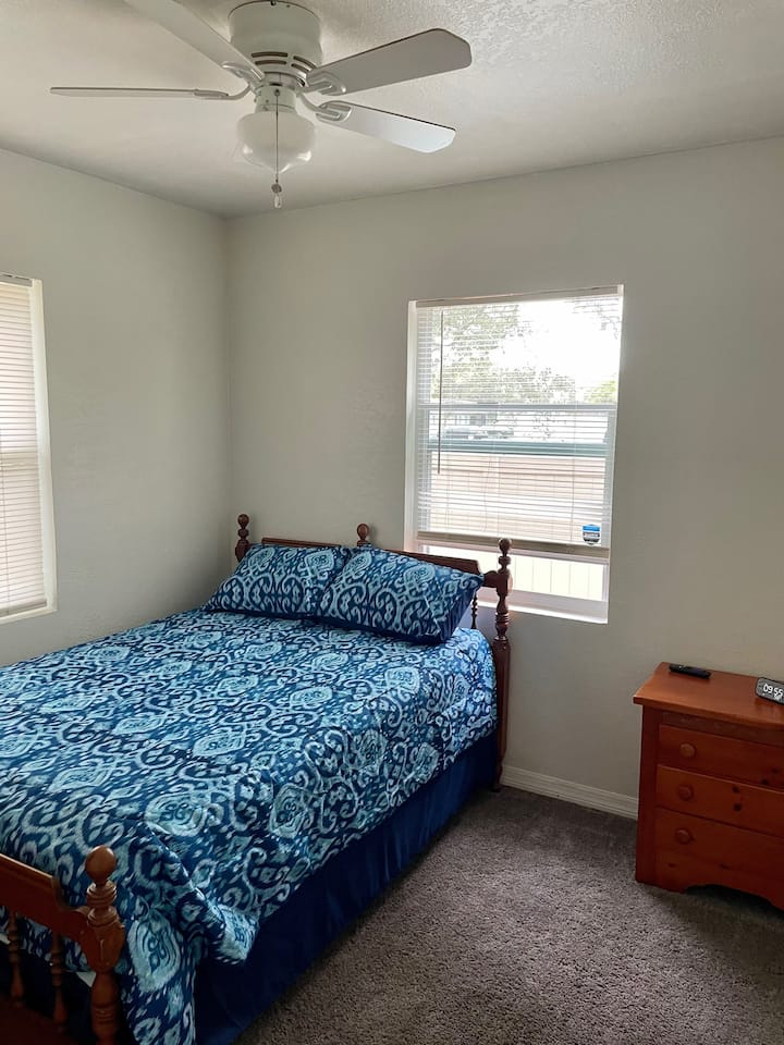 Private Room , Remodeled Home, Great Location!