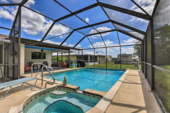 NEW! Spacious Sebring Abode w/ Fire Pit & Grill!