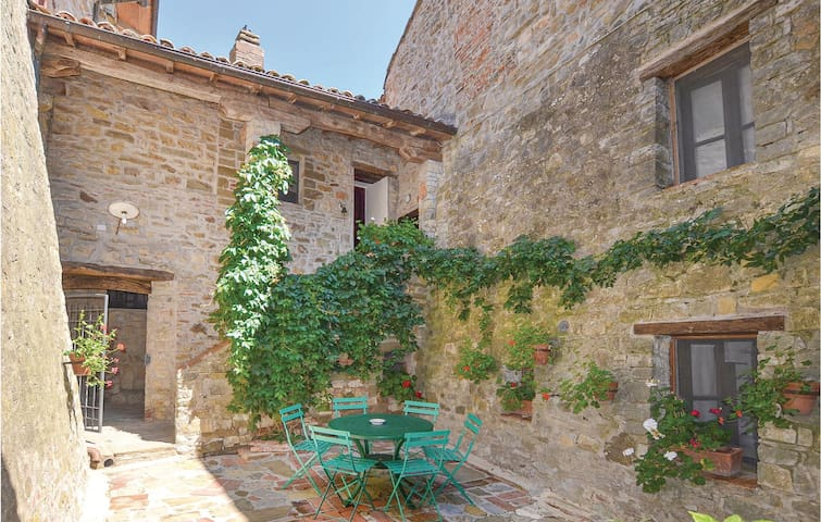 Holiday apartment with 4 bedrooms on 130m² in Piegaro (PG)