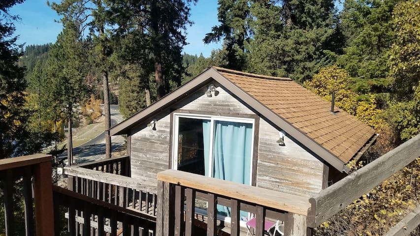 CDA Lake Cottage
