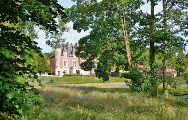 Chateau Marconne's Turret Apartment
