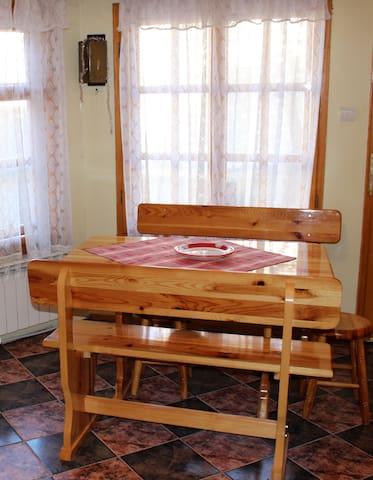 gemütliche 2 Zimmer Wohnung / Ferienwohnung - Chepelare