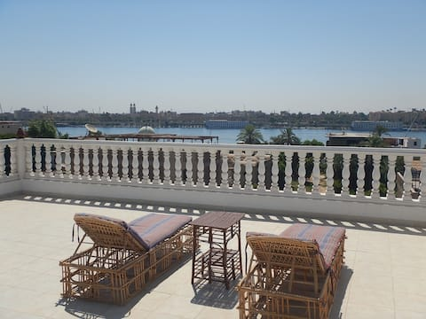 VIP Apartments Luxor - One Bedroom 4th level A