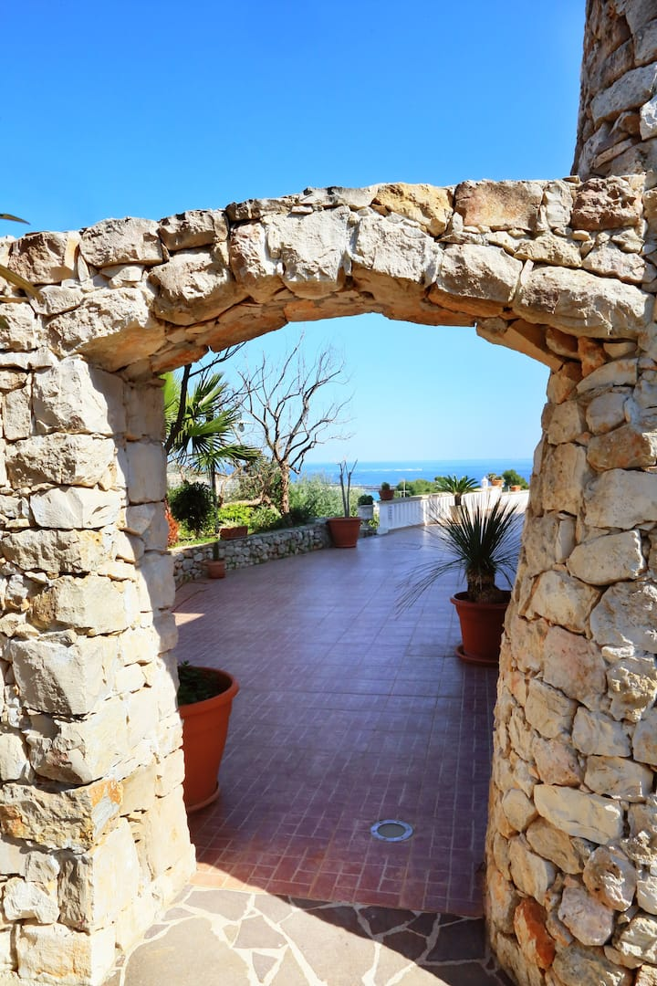 Suite Trullo in B&B familiare a S.M. di Leuca