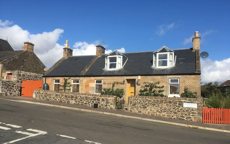 West End Cottage Ratho,Twin Room close to airport.