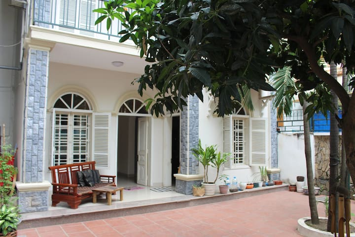 Beautiful & peaceful place in the heart of Hanoi - Hanoi - House