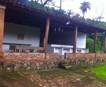 Casa centenária - Espaço Gourmet - Brumadinho - Kabin