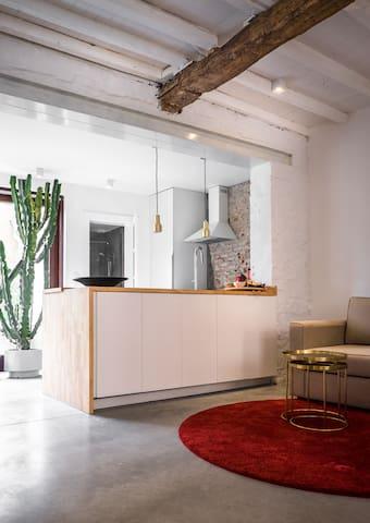 kitchenette with breakfast facilities