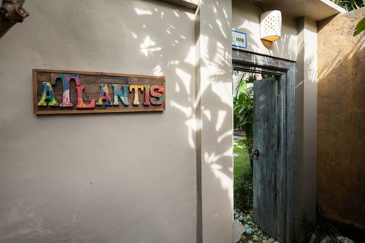 Welcome to Villa Atlantis