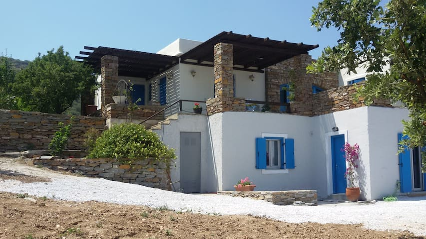 Renovated Traditional House with Sea View