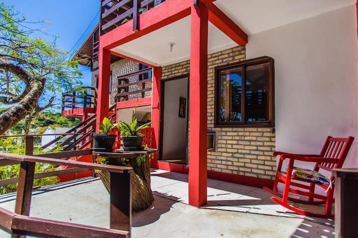 Residencial Jô em Bombinhas - SC, apto 3