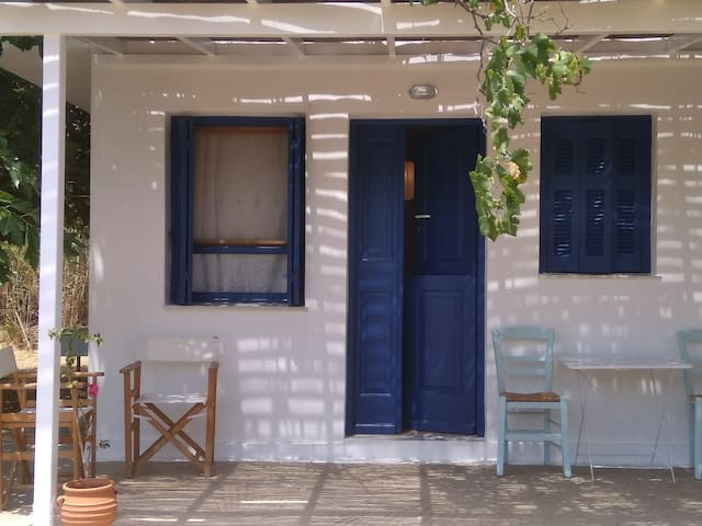 Family apartment near the beach Livadi, Serifos